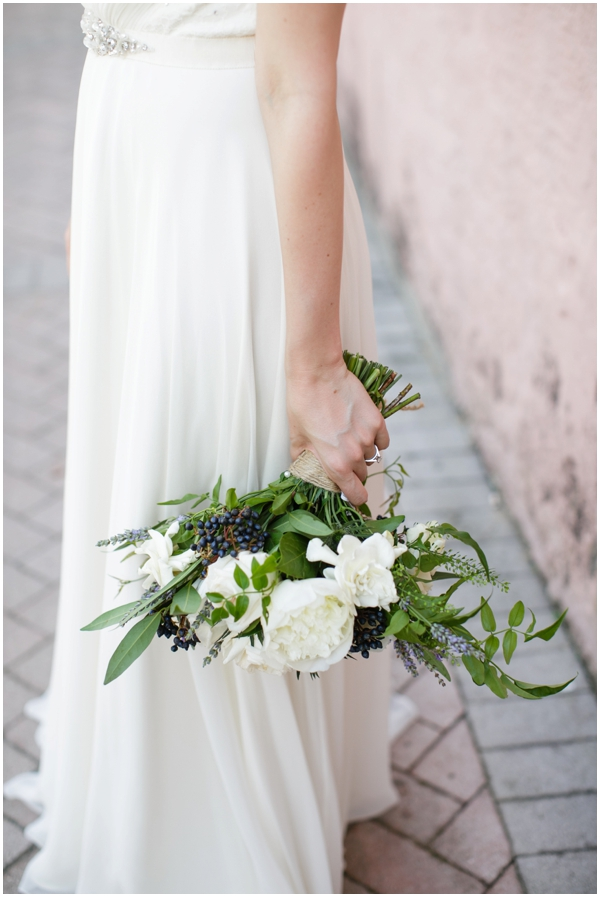 Kim_Starr_Wise_Floral_ white bouquet